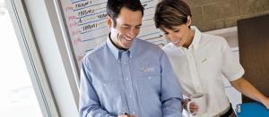 May đồng phục công sở giúp bạn xây dựng hình ảnh chuyên nghiệp cho công ty